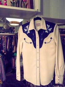 $下北沢にある隠れ家的古着屋BURROWZ(バロウズ)ヴィンテージクロージング、メンズ、レディース、ブーツ!