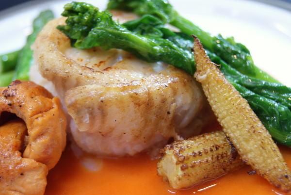 食べて飲んで観て読んだコト+レストラン・カザマ-帆立とババガレイのムニエル