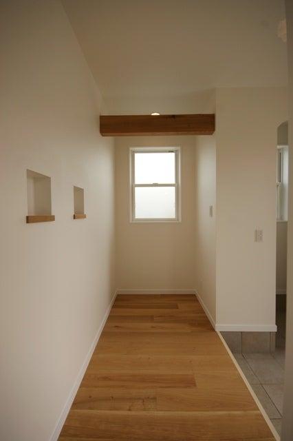 徳島県で家を建てるならサーロジック-梁見せ玄関