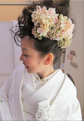 最新のヘアスタイル 色打掛髪型カタログ : 白無垢♥色打掛の新婦さま ...