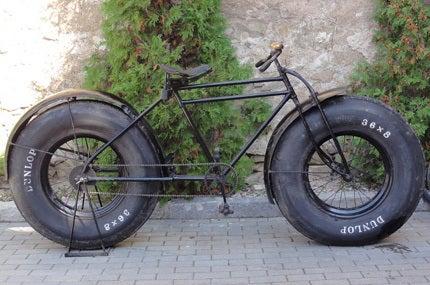 自転車の ロード自転車 タイヤ : も浮かぶ?極太タイヤの自転車 ...