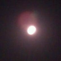 月がとっても…