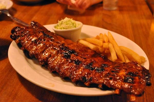 「オトナの街・六本木で食べられる!デートにもおススメな人気の肉料理店5選」の画像