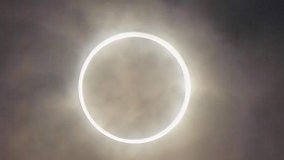 マイケルの通教生日記(Michael's Journal)-金環日食デジカメから