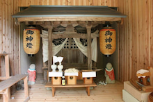 日吉・薬師堂神殿