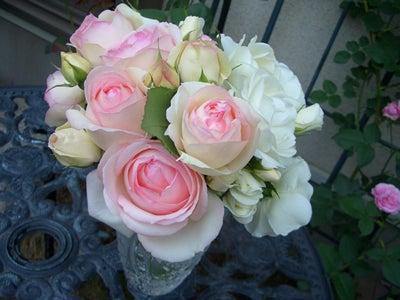 駐妻の光と影(最近はダイエットブログ?) -ピエールド・ロンサール&アイスバーグ花束
