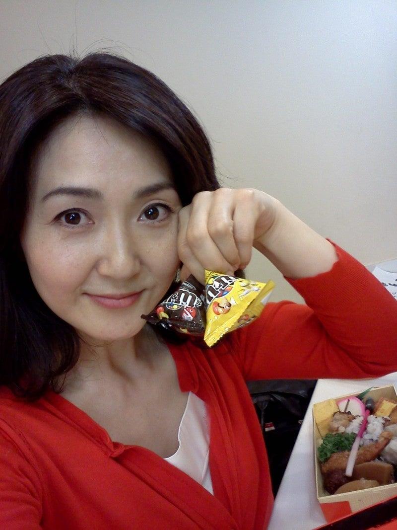 チョコを持った生稲晃子