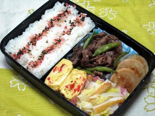 韓国料理研究家・ほんだともみのコリアンワールド-白菜とさつまあげのナムル