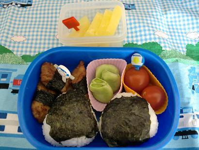 幼稚園男児のお弁当とハンドメイド作品-20120528-1