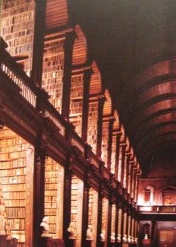 トリニティ図書館