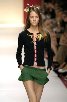 Freja-Moschino Cheap & Chic ss06 2