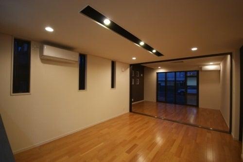 徳島県で家を建てるならサーロジック-モダンリビング