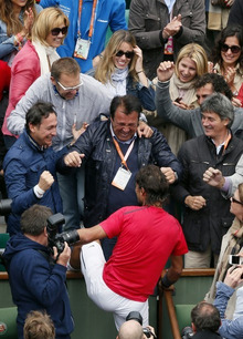 http://www.daylife.com/photo/00zdbpC7EwfnO?__site=daylife&q=Rafael+Nadal