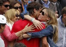 http://www.daylife.com/photo/0faU1pJ3DWbLn?__site=daylife&q=Rafael+Nadal