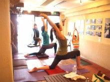 $Momi's Healing Yoga