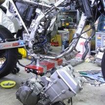 250SBのエンジン…