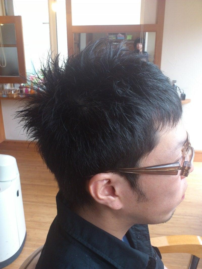 最新のヘアスタイル 男子 髪型 アシメ : バイカーおしゃれパパの髪型 ...