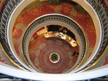 丸い螺旋階段
