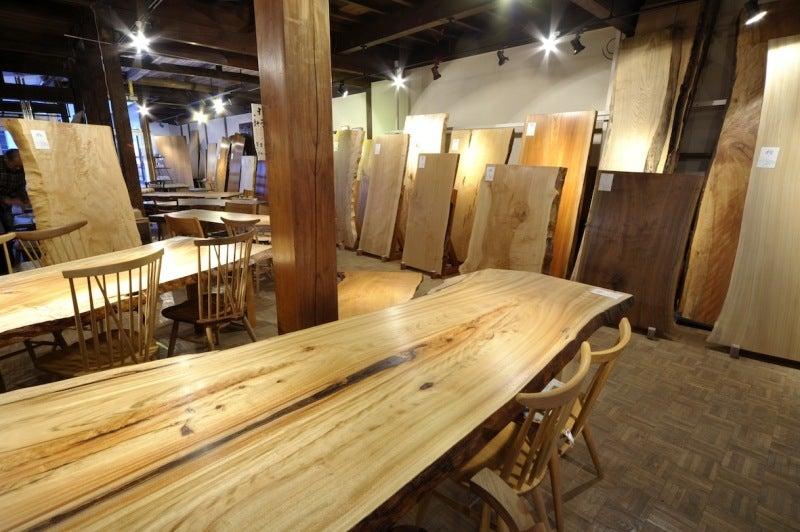 $100年使う 無垢のオーダー家具をつくる! 長野市善光寺界隈 家具屋店主 善五郎 無垢の家具と、ギャッベあるくらし。