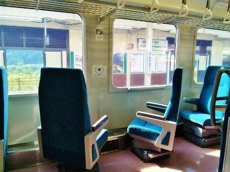 ヘッドマーク・鉄道デザイン博物館 -キハ110形・45度回転座席