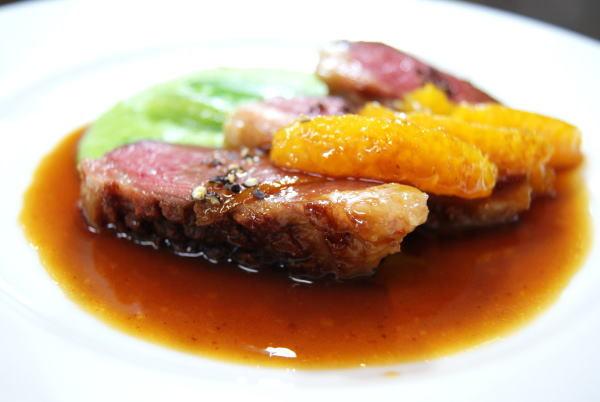 食べて飲んで観て読んだコト+レストラン・カザマ-マグレ鴨胸肉のポワレ