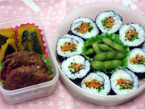 韓国料理研究家・ほんだともみのコリアンワールド-野菜のり巻き