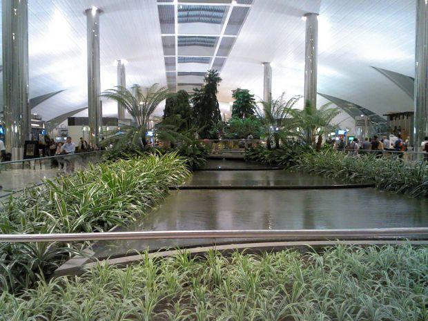 ひょひょいと世界一周-ドバイ空港