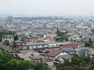 晴れのち曇り時々Ameブロ-飯盛山から眺める鶴ヶ城