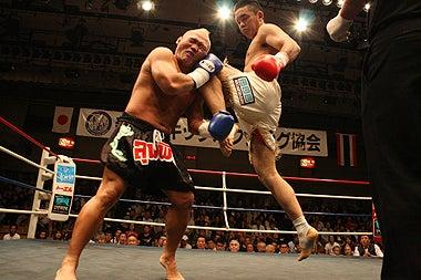 新日本キックボクシング協会-松本哉朗vs鶴巻伸洋