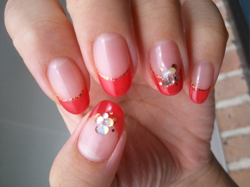 赤のカラーフレンチとネイビーと白ホワイトとラメのドットフットジェルネイル|Cocoon nail 下北沢(旧BBNAILseoul)