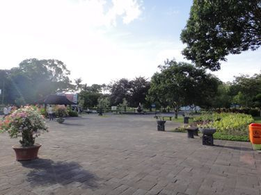 横浜発 驢馬人の美食な日々-Candi Prambanan02