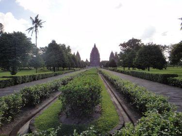 横浜発 驢馬人の美食な日々-Candi Prambanan04