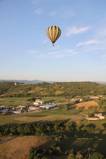 プロヴァンス発 南フランス暮らし365日-朝の気球