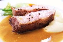 食べて飲んで観て読んだコト+レストラン・カザマ-黒豚のポワレ