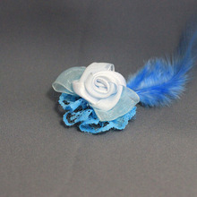 モルモットの羽根つきコサージュ(シンプルブルーローズ)