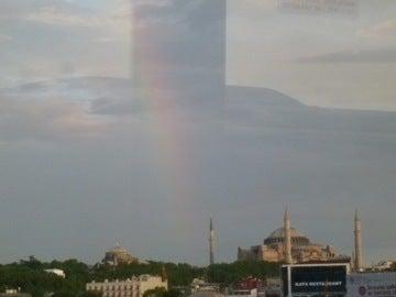 ハギアソフィアの虹