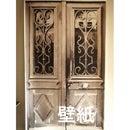 フランス製アンティークドアの壁紙