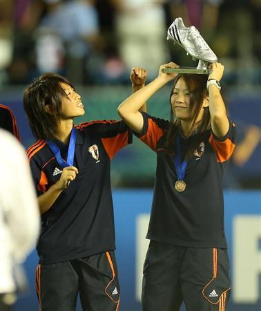ヤングなでしこ サッカー日本代表 史上初銅メダル U-20女子ワールドカップ授賞式 銅メダリスト 数々の受賞
