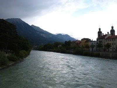 夕暮れのイン河