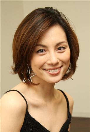 笑顔が素敵な米倉涼子