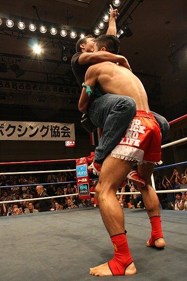 新日本キックボクシング協会-石井宏樹プラーイノーイ