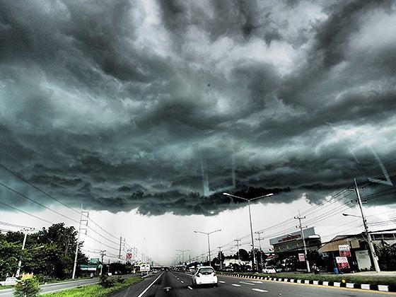 四六時中タイ旅行に行きたい!-雨雲