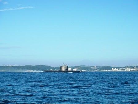 一生釣りして暮らしたい-12おっ、潜水艦!