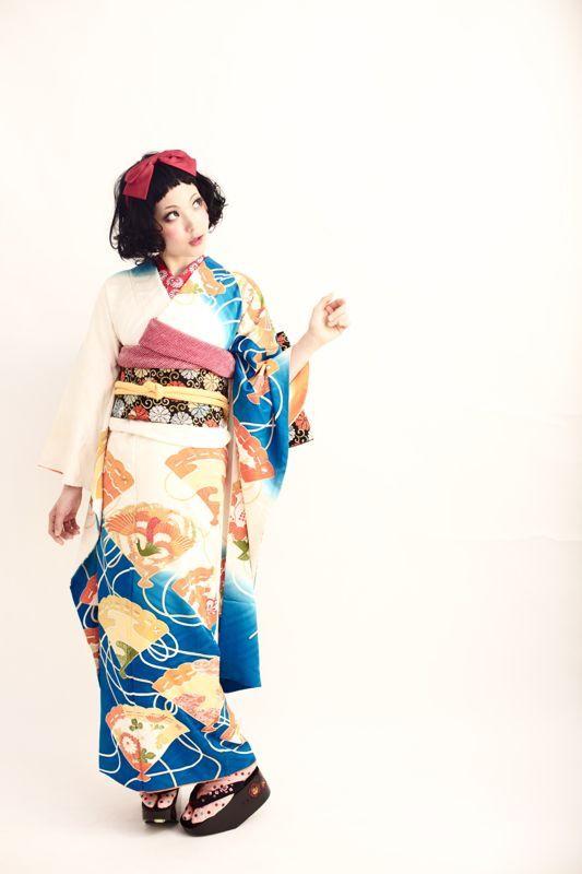 ダリの高島の着物の国から徒然と扇柄の振袖撮影。和製白雪姫の到来♡コメント