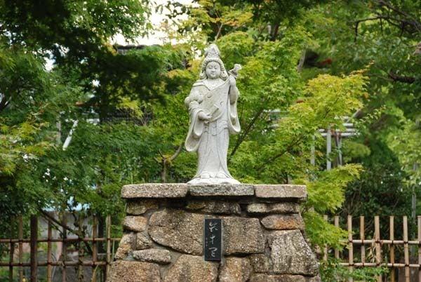 $スカイラインGTR(BNR34)で行く千葉県のドライブ-浦辺仁王尊観音寺「弁財天」