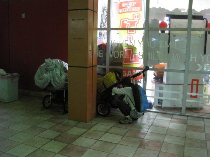 歩き人ふみの徒歩世界旅行 日本・台湾編-ネットカフェに避難
