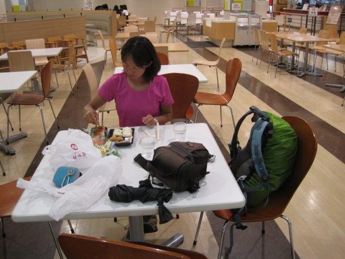 歩き人ふみの徒歩世界旅行 日本・台湾編-フードコート