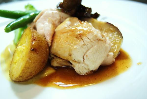 食べて飲んで観て読んだコト+レストラン・カザマ-南部地鶏のロースト