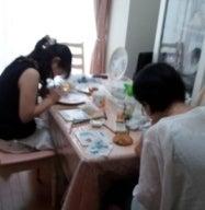 ~親子で作る!~赤ちゃんの足形をお皿に描こう!
