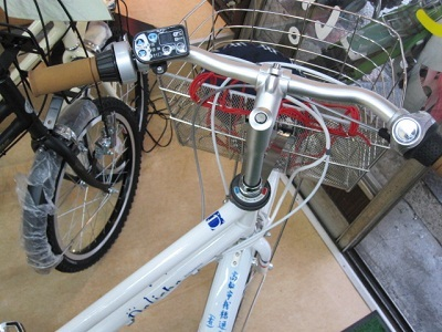 ... タイヤ交換 バッテリー交換 : 自転車ノパンクタイヤ交換 : 自転車の
